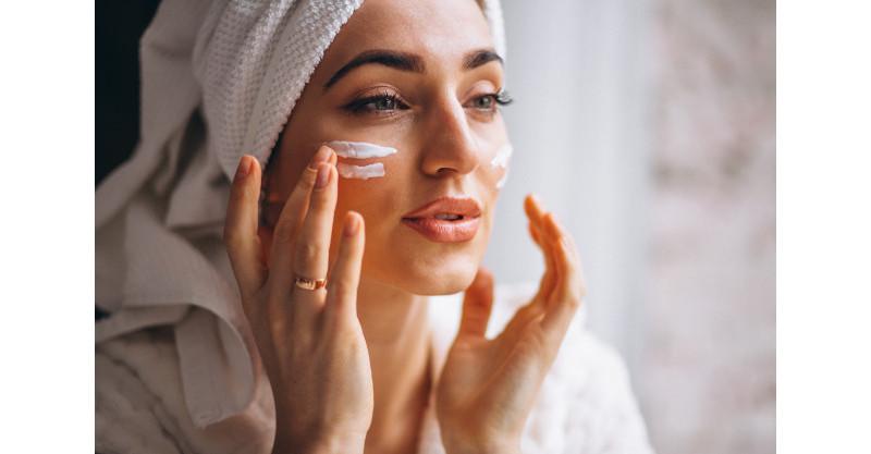 Adeus, acne! Cuidados com a pele que fazem a diferença